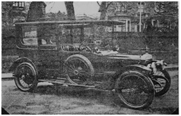 Photo of Goodall's first motor car – an Edwardian Daimler Limousine